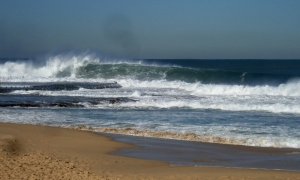 Newcastle Beach Heavy Wave 8-7-11